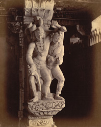 Close view of pillars with sculptured figures in a colonnade of the Ramalingeshvara Temple, Rameswaram 10032354